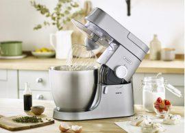 Sử dụng máy đánh trứng để bàn