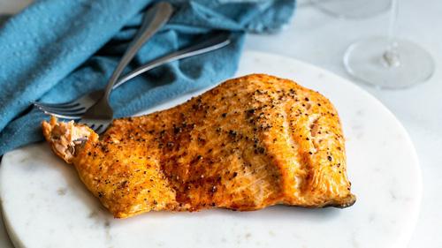 nướng cá bằng nồi chiên không dầu